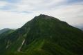 前天狗から望むニペソツ山(7月).jpg